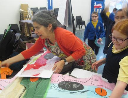 Illustrator Debi Gliori finds treasure in pupils' artistic take on The Crocodiamond