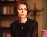 'Literature can help to re-humanise people who have been dehumanised.' Elif Shafak at the Edinburgh International Book Festival online